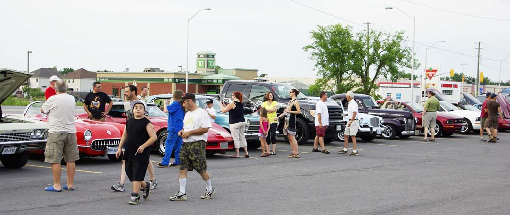 Exposition de voitures Mustang et Ford classiques
